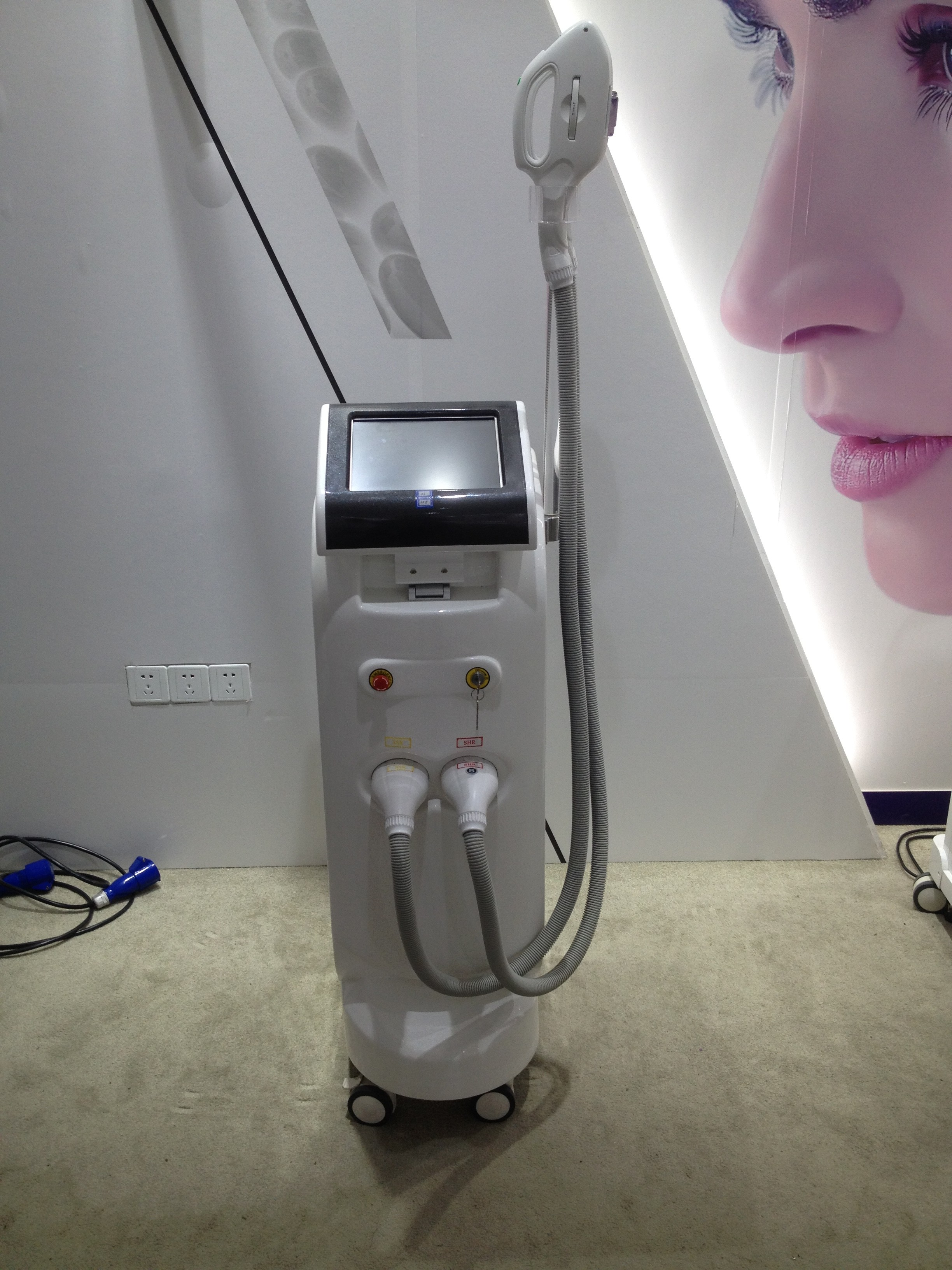 Shr 2 Handles IPL RF Beauty Equipment For Hair Removal And Facial Whitening